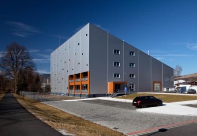 Novostavba výrobní, vývojové a administrativní haly v Sušici