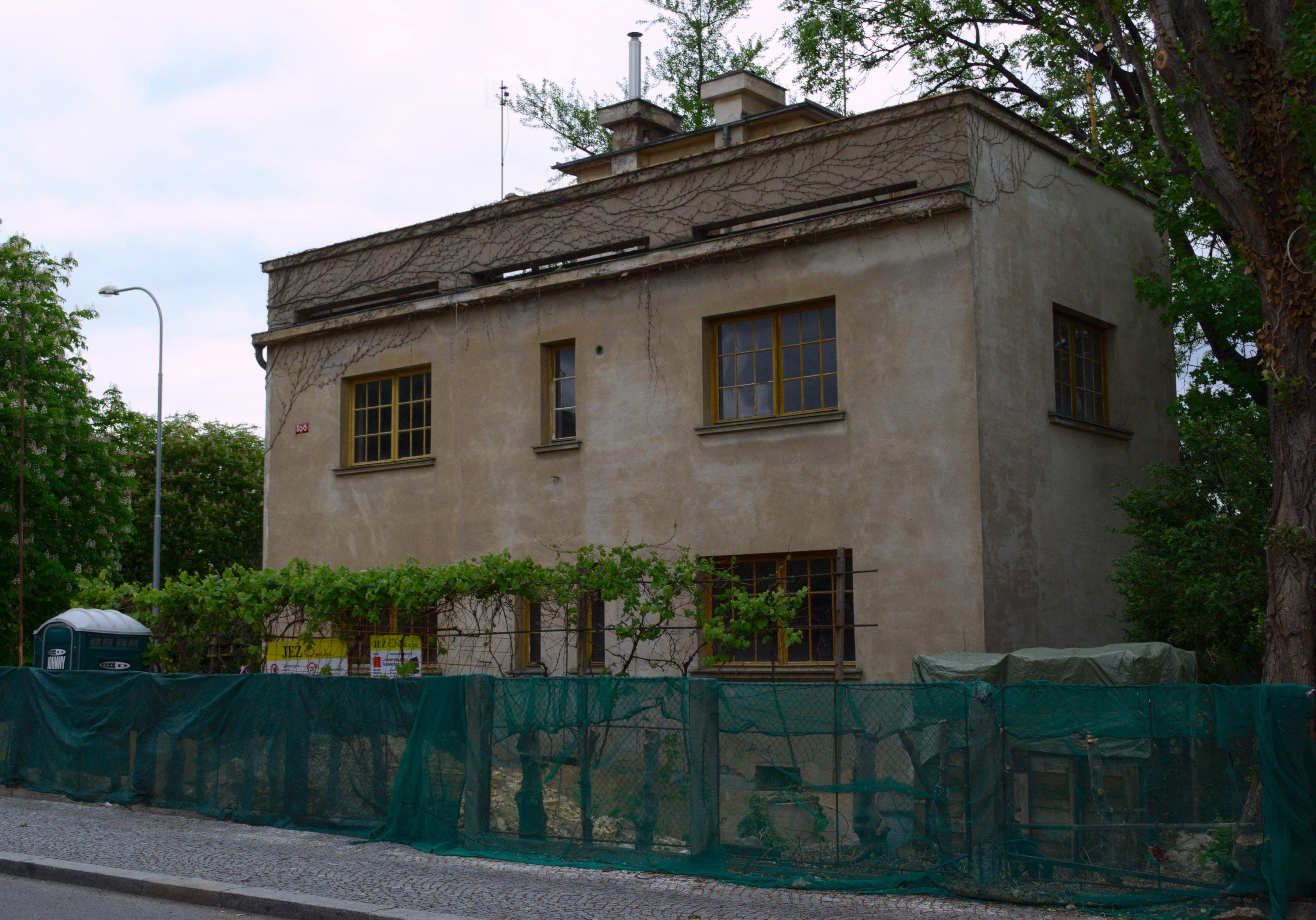 Vila architekta Otto Rothmayera, U Páté baterie 896/50, Praha-Břevnov (zdroj: Wikipedie, autor foto: Sefjo)